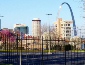 Made it to St. Louis! Somehow I was expecting the arch to be gold, not silver.